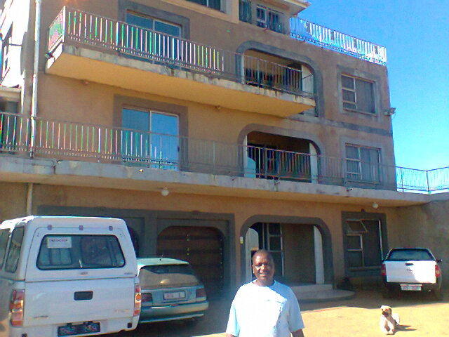 Stanley mondle mbatha at dr sosobala s mansion amambatha for Home pictures images